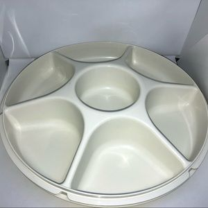 Vintage Tupperware #1666-4 Divided Party Tray